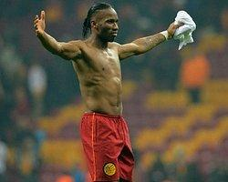 Didier Drogba, Emmanuel Emenike'yi geçti
