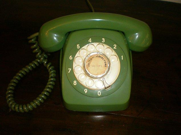 900'lü Hatları Bu Telefonla Çevirip, Düşüremeyen Kişi