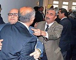 MHP İle AKP'li Üyeler Yumruklaştı