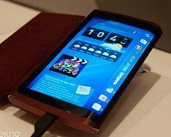 Samsung 3 Ekranlı Telefonun Patentini Aldı