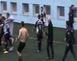 Trabzon'da Futbolcular Polisi Darp Etti
