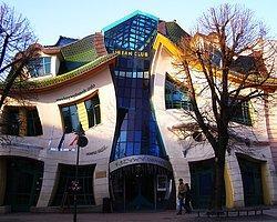 Geometriyi Yeniden Şekillendiren 15 İlginç Ev