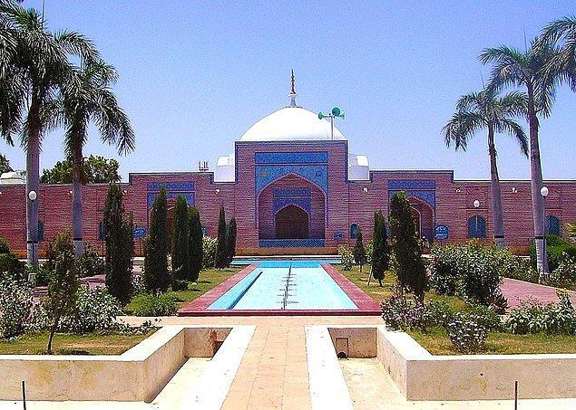 18. Şah Jahan Camii
