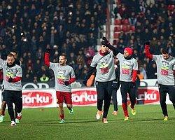 Galatasaraylı Futbolculardan Yayıncı Kuruluşa Tepki