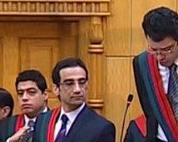 Mursi Mahkemede Meydan Okudu