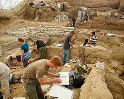 Çatalhöyük'te Dünyanın İlk Keten Kumaşı Bulundu