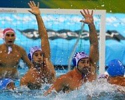 3 Saniye İçin Havuza Girecekler!
