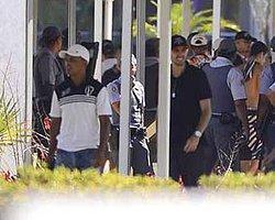Tesisleri Basıp Futbolculara Saldırdılar