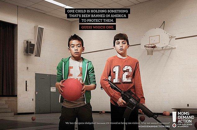 11. Moms Demand Action: Bu çocuklardan birisi onları korumak adına ABD'de yasaklanan bir şeyi tutuyor. Bilin bakalım hangisi?