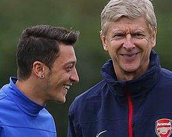 Wenger Mesut Özil'e Sahip Çıktı