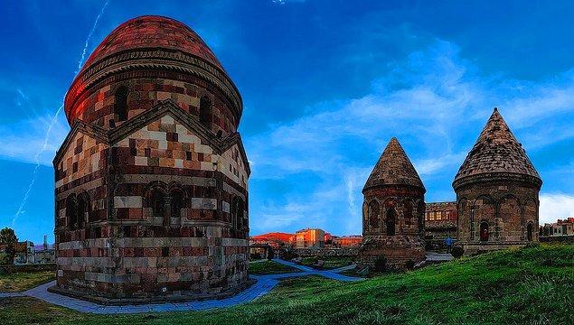 25 Erzurum