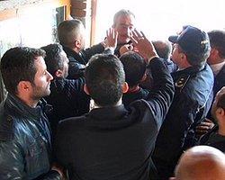 Efkan Ala'ya 'Ayakkabı Kutusu' Protestosu