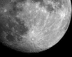 Dev Meteor Ay'a Çarptı