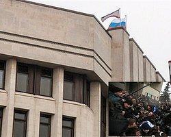 Kırım'da Rus Bayrağı Yükseliyor