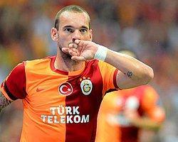 """""""Sneijder Yanlış Yerde Oynuyor"""""""