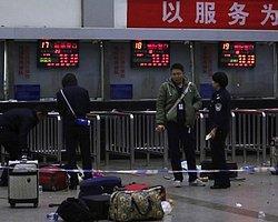 Çin'de Tren İstasyonuna Palalı Saldırı: 34 Ölü