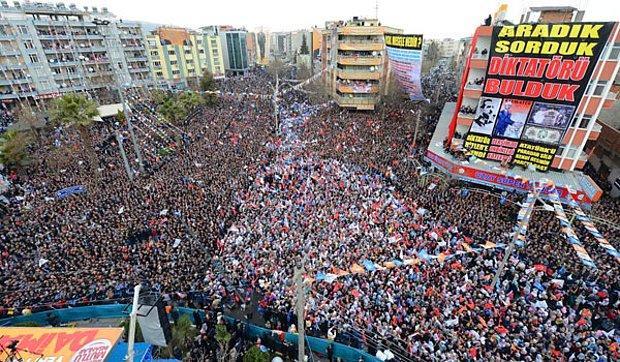 AKP Miting Fotoğrafları Montaj mı?