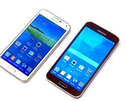 Galaxy S5 Ve Galaxy S4 Karşı Karşıya!