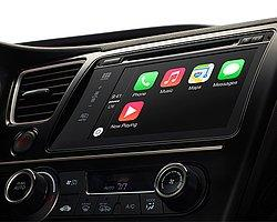 Apple CarPlay'li Ferrari ve Mercedes'lerin İlk Videoları