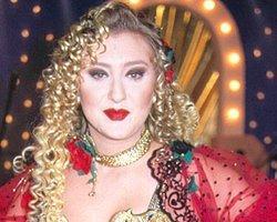 Şarkıcı Güllü'ye Gözaltı