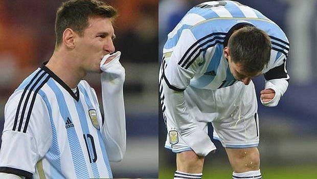 Lionel Messi Sahanın Ortasına Kustu!