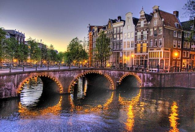 Tabii ki Amsterdam!