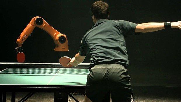 Dünyanın En İyi Pinponcusu ile Robotun Ezeli Mücadelesi