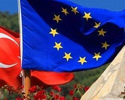 AB Komisyonu Üyesi Füle'den Türkiye Açıklaması