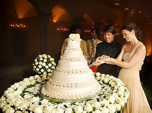 Tom Cruise ve Katie Holmes-$2 milyon dollar