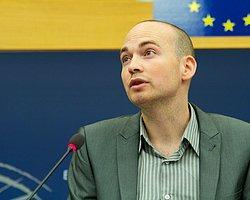 Avrupa Parlamentosu'nda 'Berkin Elvan Ölümsüzdür' Sloganı