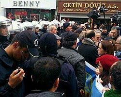 Taksim'e Yürüyen Hekimlere Polis Barikatı