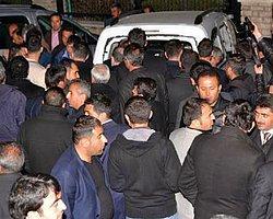 Yazar Gün Zileli'ye AKP'liler Saldırdı