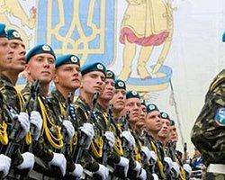 Kırım'da Ukrayna Askeri Üssüne Ateş Açıldı, Bir Ukrayna Askeri Öldü