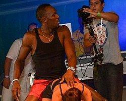 Usain Bolt Dans Pistinde de Kral!