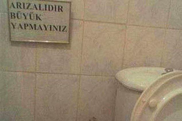 28. Tuvalete ya da asansöre arızalıdır yazısı asın