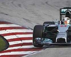 Formula 1′de Mercedes'le Bu Kez Hamilton Kazandı