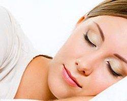 Düzensiz Uyku Kanser Sebebi