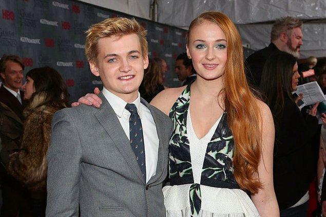 Joffrey ve Sansa