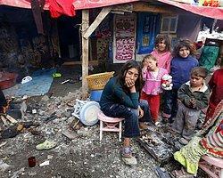 Davutoğlu: 'Suriyeli Sığınmacılara 2,5 Milyar Dolardan Fazla Harcandı'