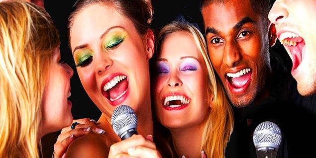 8. Karaoke kelimesi kara orkestra'nın kısaltılmasıdır. Kara ise Japonca'da boş demektir.
