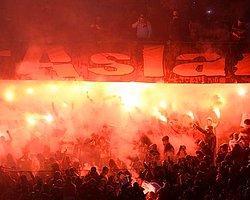 Galatasaray'a 1 Maç Seyircisiz Oynama Cezası Geldi