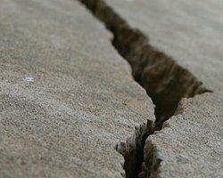 Papua Yeni Gine Açıklarında Deprem: 7,3