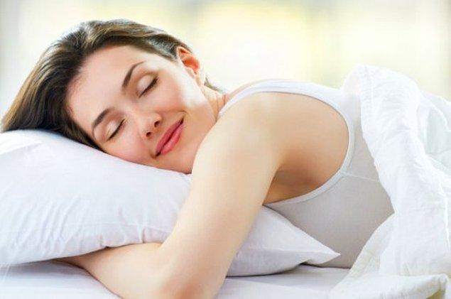 13. Yastığın soğuk tarafının sizi terketmesi.