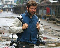 Chris Hondros'ın Objektifinden 10 Çarpıcı Savaş Fotoğrafı