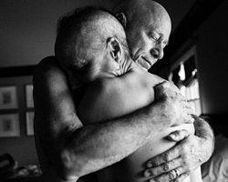 Ünlü fotoğrafçı Nancy Borovik dokunaklı bir çalışmaya imza attı. Sanatçı, ailesinin kanserle savaşını kare kare görüntüledi.