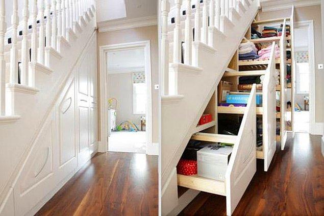 1.Çekmeceleri merdiven altında toplayın