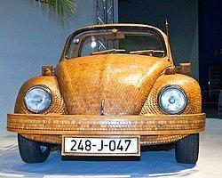 Meşe Ağacından Volkswagen Beetle Üretti