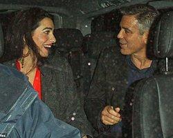 Clooney İçin Geleneklerini Bozdular