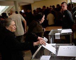 Donetsk'te Halk Referandum İçin Sandık Başında