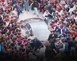 'Soma'da Erdoğan'ın Aracı Böyle Tekmelendi'